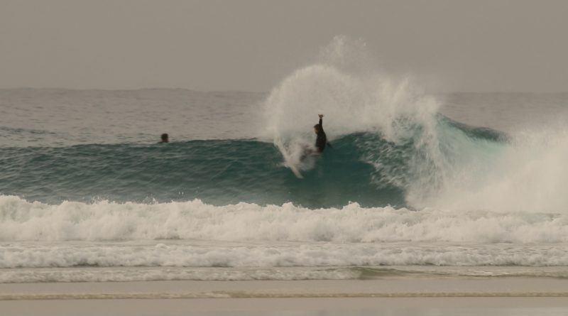 Gold Coast Surfing: Snapper Rocks & Greenmount on the 25th of July, 2020 [RAW][VIDEO]